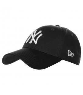 Gorra New Era 9Forty League Basic 10531941 ajustable, gorra de los New York Yankees en color negro con el logo del equipo en color blanco.