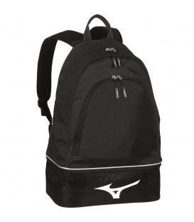 Mochila Mizuno Team 33EY7W9309 en color negro, mochila con compartimento para calzado en la base, para organizar tus cosas de la forma más cómoda y práctica.