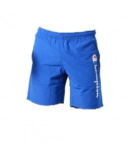 Bañador Champion 211547-BS008 en color azul para hombre, cuenta con cintura ajsutable con cordón y calzoncillo interior de malla.