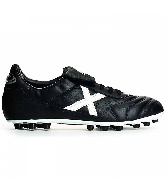 37a384ba4517a Botas de fútbol Munich Mundial 25 para hombre en color negro