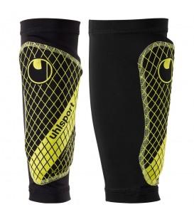 Espinilleras Uhlsport Sockshield Lite 2.0 100677701 en color negro y amarillo, espinilleras con calcetín de compresión con diseño asimétrico para mejor ajuste.