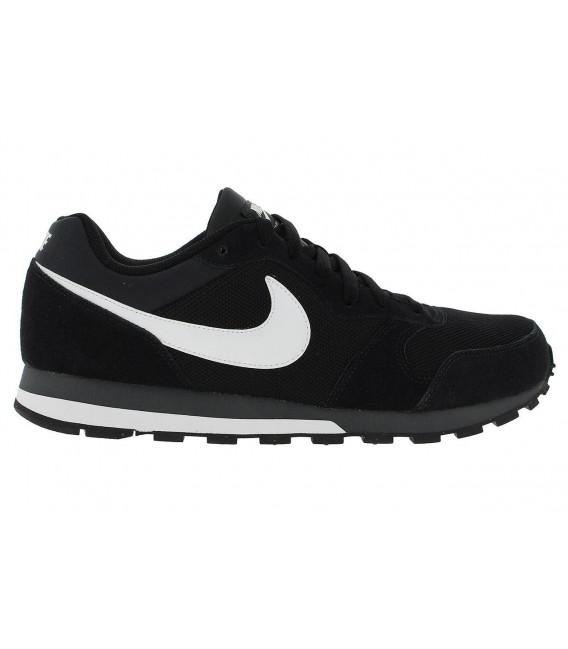 2d4ae82a706 Zapatillas Nike MD Runner 2 de color negro
