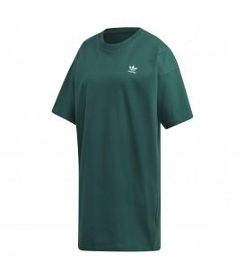 Vestido para mujer de Adidas Trefoil dress DV2604 de color verde con manga corta al mejor precio en tu tienda de sneakers online chemasport.es