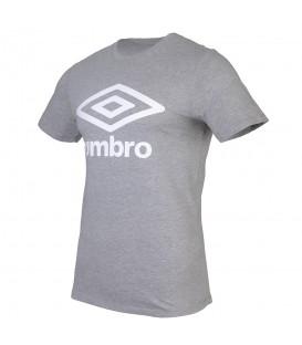 Camiseta unisex con corte holgado Umbro 65352U de color gris al mejor precio en chemasport.es, tu tienda de deportes barata online.