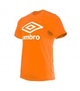 Comprar camiseta Umbro con el logo de Umbro estampado en el centro. Otras camisetas de Umbro en chemasport.es