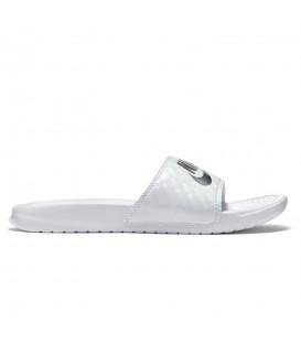 Comprar chanclas de natación unisex baratas Nike Benassi 343881-102 de color blanco en chemasport.es