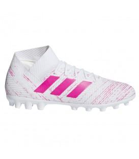 Comprar botas de fútbol para hombre adidas Nemeziz 18.3 AG D97982 de color blanco y rosa al mejor precio en chemasport.es