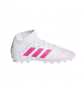 Comprar botas de fútbol para niños adidas Nemeziz 18.3 AG J G26976 de color blanco y rosa al mejor precio en chemasport.es