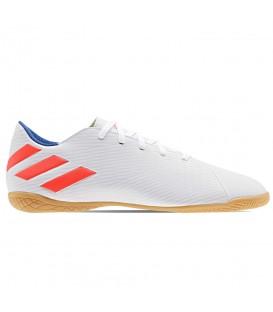 Comprar zapatillas fútbol sala para hombre adidas Nemeziz Leo Messi 19.4 Indoor F34550 de color blanco al mejor precio en tu tienda de deportes online.
