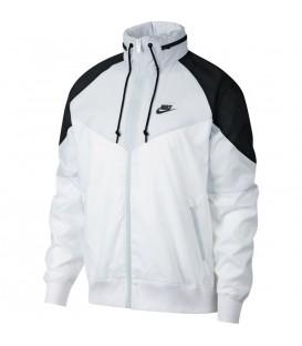 Comprar chaqueta para hombre con capucha Nike Sportswear Windrunner AR2209-100 de color blanco al mejor precio en chemasport.es