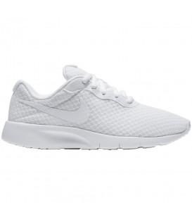 Comprar deportivas para niños Nike Tanjun GS de color blanco al mejor precio en tu tienda de deportes online chemasport.es