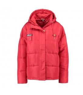 Cazadora de invierno para mujer Ellesse Pejo de color rojo al mejor precio en tu tienda de moda en Pontevedra Chema Sneakers.