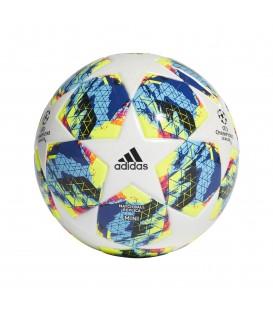 Minibalón de fútbol adidas finale con emblema de la UEFA Champions League. Otros balones de fútbol al mejor precio en chemasport.es