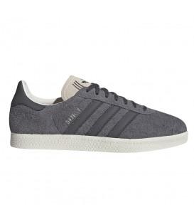 Deportivas unisex para hombre y mujer adidas Gazelle EE5518 de color gris al mejor precio en tu tienda de zapatillas online chemasport.es