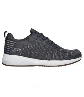 Zapatillas para mujer Skechers Bobs Sport Squad de color gris al mejor precio en tu tienda de deportes online chemasport.es