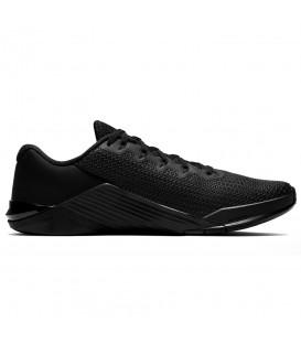Deportivas de crossfit para hombre Nike Metcon 5 de color negro al mejor precio en tu tienda de deportes online chemasport.es