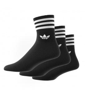Calcetines unisex adidas Mid Cut Solid Crew de color negro al mejor precio en tu tienda de sneakers online chemasport.es