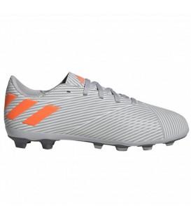 Botas de fútbol para hombre adidas Nemeziz 19.4 FXG de color gris al mejor precio en tu tienda de deportes online chemasport.es