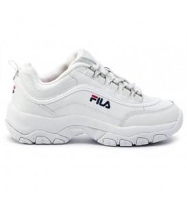 Deportivas para mujer Fila Strada de color blanco al mejor precio en tu tienda de deportes online chemasport.es