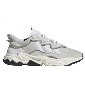 Deportivas para hombre adidas Ozweego EG8734 de color blanco al mejor precio en tu tienda de deportes online chemasport.es