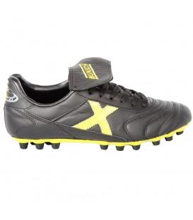Botas de fútbol confeccionadas en piel Munich Mundial U25 para hombre al mejor precio en tu tienda de fútbol barata online chemasport.es