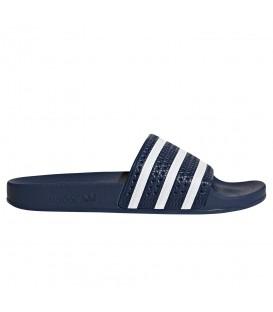 Chanclas de natación unisex adidas adilette 288022 de color azul marino al mejor precio en chemasport.es