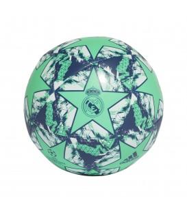 Balón de fútbol adidas UCL Finale 19 Real Madrid Capitano DY2541 de color verde al mejor precio en tu tienda de fútbol online chemasport.es