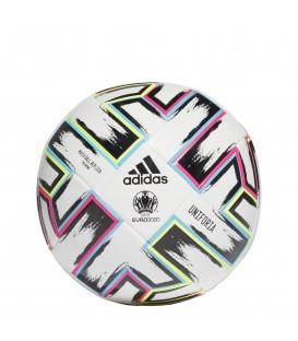 Balón de entrenamiento unisex adidas Uniforia FI1549 de color blanco con diseño multicolor al mejor precio en chemasport.es