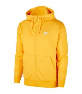 Sudadera para hombre Nike Sportswear Club BV2648-739 de color amarillo al mejor precio en tu tienda de deportes online chemasport.es