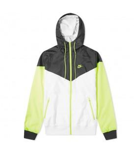 Chaqueta para hombre Nike Sportswear Windrunner AR2191-103 de color blanco al mejor precio en tu tienda de deportes online chemasport.es