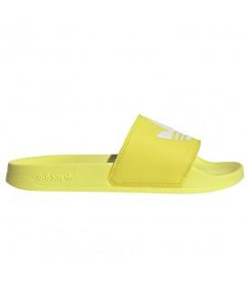 Chanclas para mujer adidas Adilette Lite FI9140 de color amarillo al mejor precio en tu tienda de deportes online chemasport.es