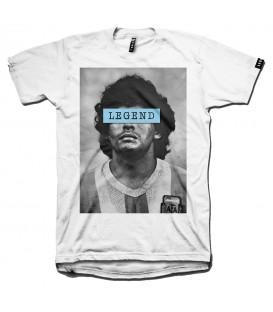 Camiseta casual de la marca Leg3nd con la imagen de la leyenda del fútbol Diego Maradona. Otros modelos de camisetas unisex en chemasport.es