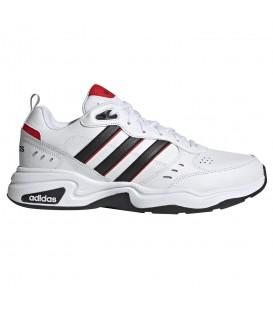 Deportivas para hombre adidas Strutter de color blanco al mejor precio en tu tienda de deportes online chemasport.es