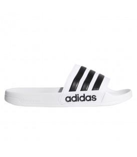 Chanclas para hombre adidas Adilette Cloudfoam de color blanco al mejor precio en tu tienda de deportes online chemasport.es