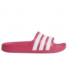 Chanclas para mujer y niños adidas adilette de color rosa fucsia al mejor precio en tu tienda de deportes online chemasport.es