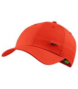 Gorra unisex ajustable Nike Sportswear Heritage 86 de color rojo para protegerte del sol en verano al mejor precio en chemasport.es