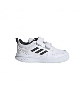 Zapatillas con velcro para el colegio adidas Tensaurus I de color blanco al mejor precio en tu tienda de deportivas online en chemasport.es