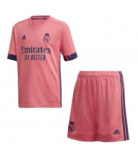 Conjunto de fútbol adidas Real Madrid segunda equipación temporada 2019/2020 de color coral al mejor precio en chemasport.es