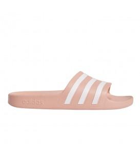 Chanclas para mujer de piscina y natación adidas Adilette Aqua de color rosa baratas en tu tienda de natación online Chema Sport.