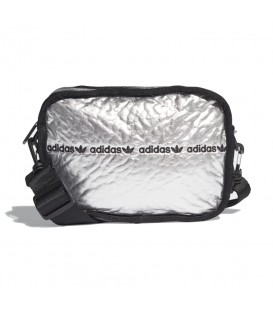Disponible el bolso adidas mini airliner en color plata en tu tienda online chemasport.es