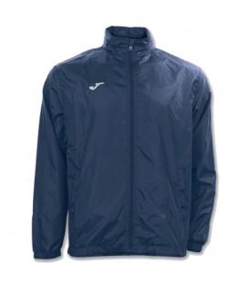 Chubasquero joma iris en color azul marino para entrenamiento de fútbol en tu tienda online chemasport.es