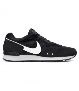 Zapatillas nike venture runner para hombre y mujer en color negro en la tienda online chemasport.es