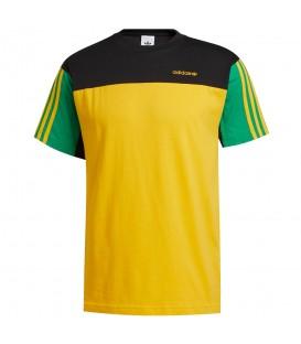 Camiseta adidas classics para hombre en color amarillo, negro y verde con las míticas bandas laterales en la tienda online chemasport.es