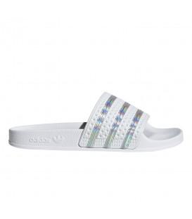Chanclas adidas adilette en color plata para mujer en la tienda online chemasport.es