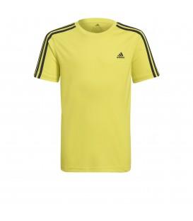 Camiseta Adidas B 3 Stripes T para niño en color verde con tecnología climalite al mejor precio.