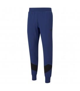 Pantalones Puma Rebel Pants TR Elektro para hombre en color azul marino disponible en tu tienda online www.chemasport.es