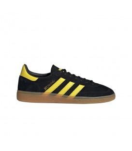 Zapatillas adidas Handball Spezial unisex de color negro disponible en tu tienda online de deportes www.chemasport.es