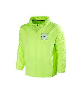 Cortavientos Nike Essential Wild Run para hombre en color amarillo disponible en tu tienda online de deportes en Pontevedra www.chemasport.es al mejor precio.