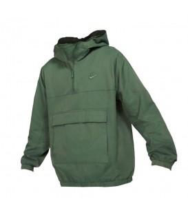 Cazadora Nike Unlined para hombre de color verde en tu tienda online de deportes www.chemasport.es al mejor precio.
