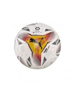 Balón Puma de fútbol La Liga mini 2021/22 en color blanco disponible al mejor precio en tu tienda online de moda, accesorios y deportes www.chemasport.es
